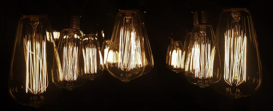 Edison lightbulb cluster