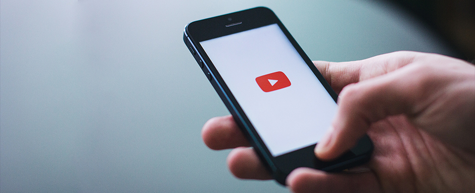 Mobile phone with Youtube icon